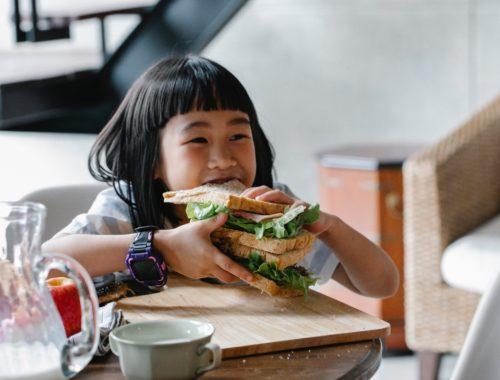 Idées de déjeuner santé pour votre enfant d'âge scolaire